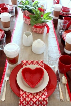 Elegant Table Settings Ideas For Valentines Day 51