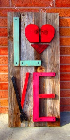 Simple DIY Valentines Day Decor Ideas 33