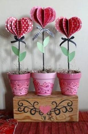 Simple DIY Valentines Day Decor Ideas 35