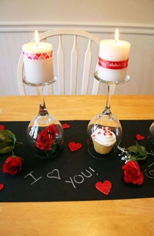 Simple DIY Valentines Day Decor Ideas 36