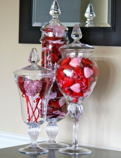 Simple DIY Valentines Day Decor Ideas 43