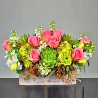Stunning Valentine Floral Arrangements Ideas 11