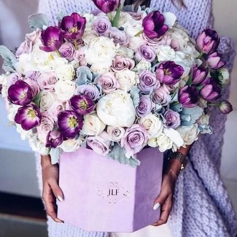 Stunning Valentine Floral Arrangements Ideas 25