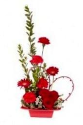 Stunning Valentine Floral Arrangements Ideas 27