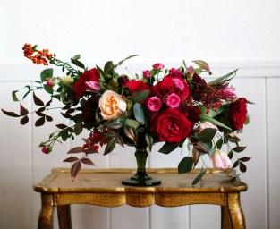 Stunning Valentine Floral Arrangements Ideas 30