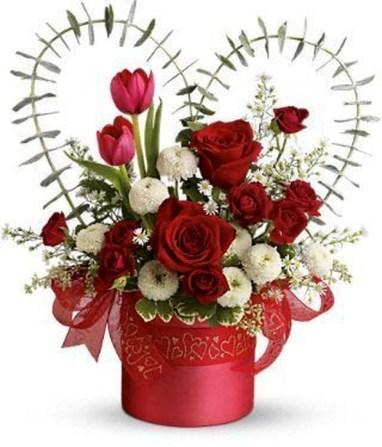 Stunning Valentine Floral Arrangements Ideas 50