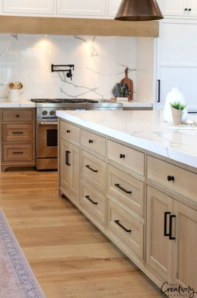Affordable Farmhouse Kitchen Cabinets Ideas 25