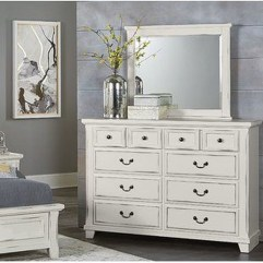 Classy Bedroom Dressers Ideas With Mirror 05