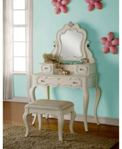 Classy Bedroom Dressers Ideas With Mirror 41