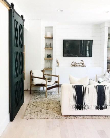 Cozy Black And White Living Room Design Ideas 13