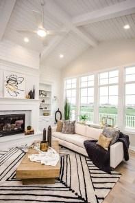 Cozy Black And White Living Room Design Ideas 16