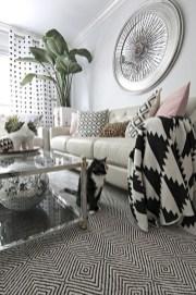 Cozy Black And White Living Room Design Ideas 43