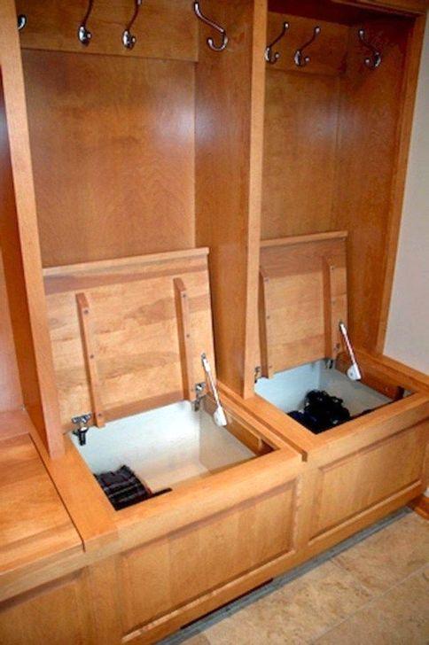 Easy DIY Mudroom Bench Ideas For Inspiration 01