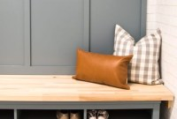 Easy DIY Mudroom Bench Ideas For Inspiration 10