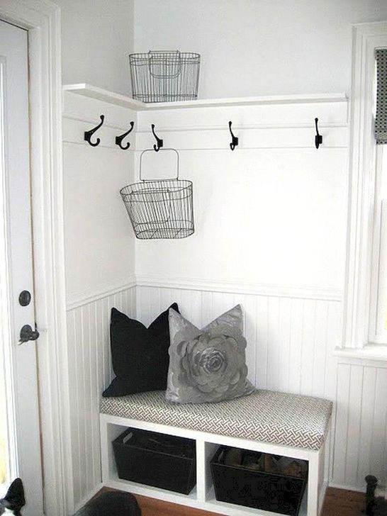 Easy DIY Mudroom Bench Ideas For Inspiration 41