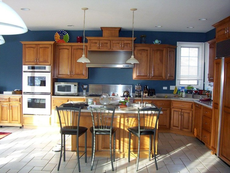 Elegant Navy Kitchen Cabinets For Decorating Your Kitchen 24