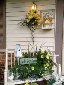 Impressive Porch Decoration Ideas For This Spring 10