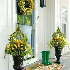 Impressive Porch Decoration Ideas For This Spring 13