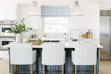 Inspiring Blue And White Kitchen Ideas To Love 32