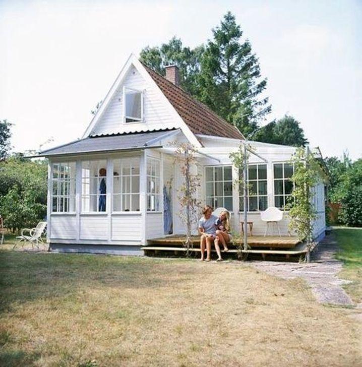 Marvelous Cottage House Exterior Design Ideas 07