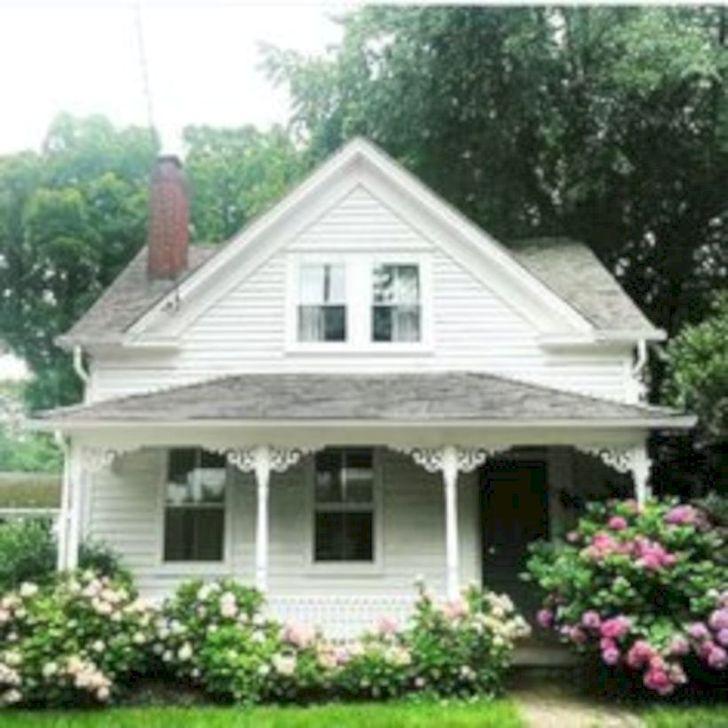Marvelous Cottage House Exterior Design Ideas 18
