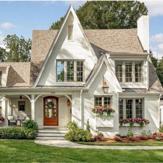Marvelous Cottage House Exterior Design Ideas 24