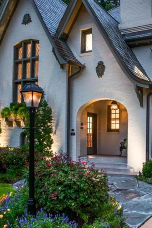 Marvelous Cottage House Exterior Design Ideas 27