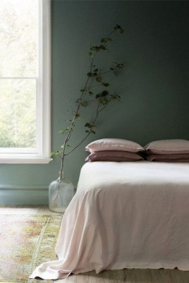Natural Green Bedroom Design Ideas 26