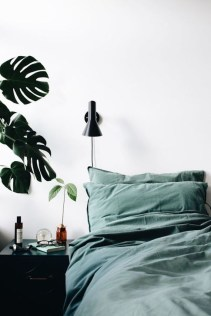 Natural Green Bedroom Design Ideas 37