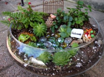 Pretty Fairy Garden Plants Ideas For Around Your Side Home 01