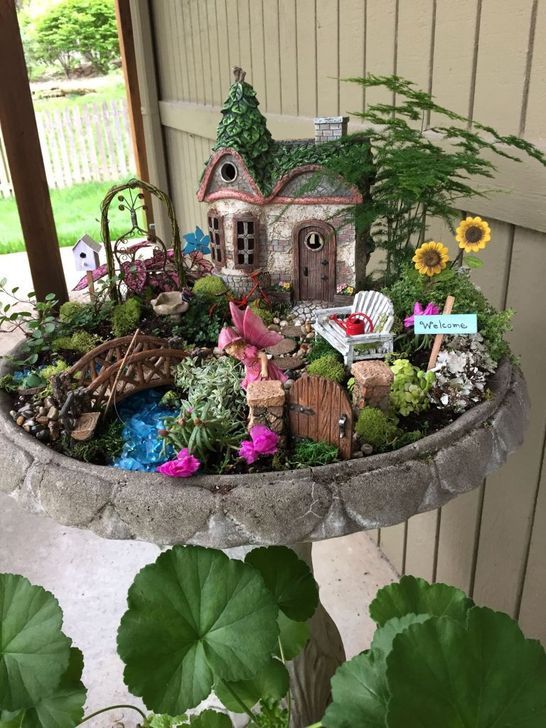 Pretty Fairy Garden Plants Ideas For Around Your Side Home 42