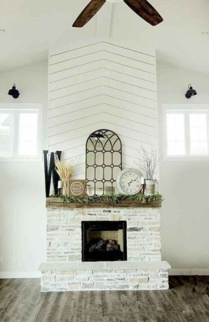 Rustic Farmhouse Fireplace Ideas For Your Living Room 30