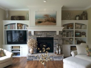Rustic Farmhouse Fireplace Ideas For Your Living Room 36
