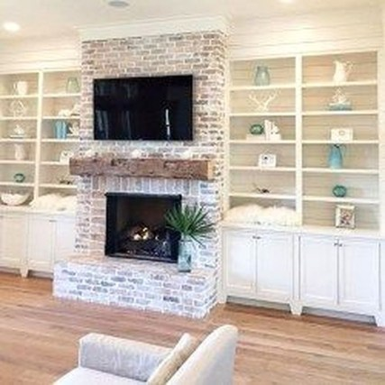 Rustic Farmhouse Fireplace Ideas For Your Living Room 54