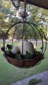 Beautiful Hanging Planter Ideas For Outdoor 23
