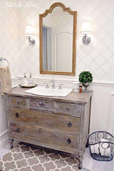 Cute Shabby Chic Bathroom Design Ideas 17