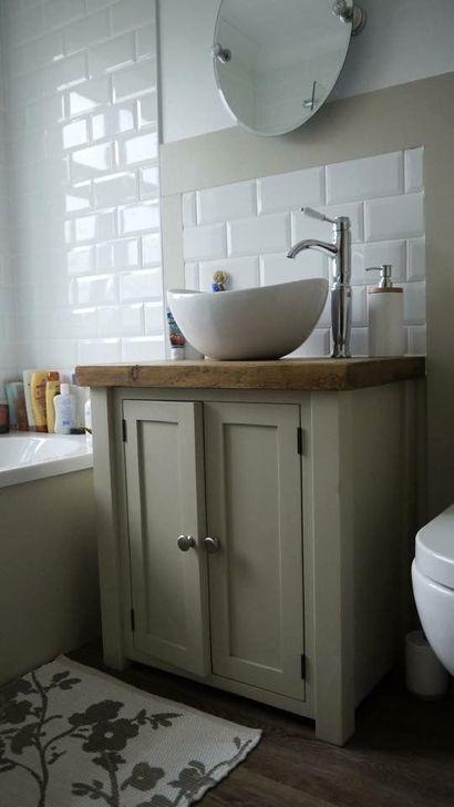 Cute Shabby Chic Bathroom Design Ideas 27