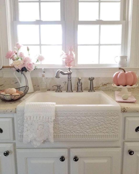 Cute Shabby Chic Bathroom Design Ideas 41