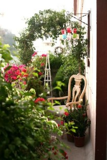 Impressive Balcony Garden Design Ideas 12