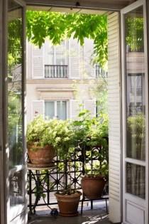 Impressive Balcony Garden Design Ideas 14