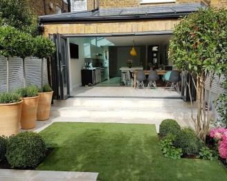 Impressive Balcony Garden Design Ideas 26