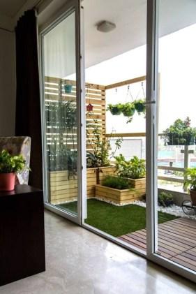 Impressive Balcony Garden Design Ideas 41