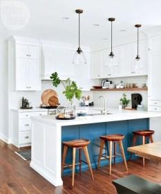 Minimalist Small White Kitchen Design Ideas 01