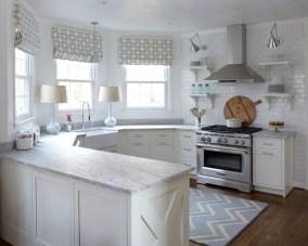 Minimalist Small White Kitchen Design Ideas 29