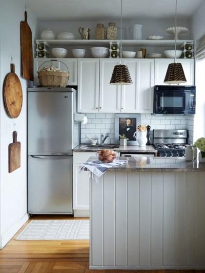Minimalist Small White Kitchen Design Ideas 33