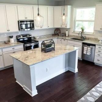 Minimalist Small White Kitchen Design Ideas 34