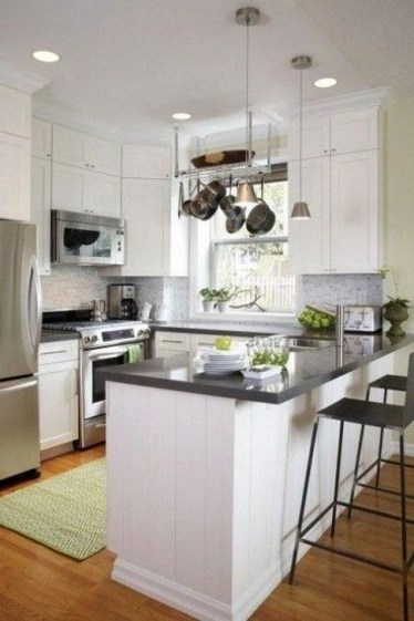 Minimalist Small White Kitchen Design Ideas 36