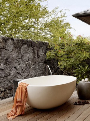 Best Ideas For Outdoor Bathroom Design 20