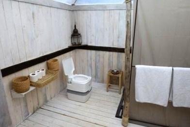 Best Ideas For Outdoor Bathroom Design 44