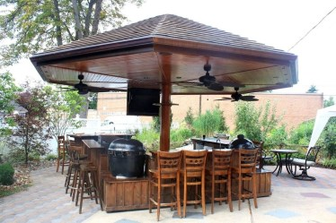 Cheap And Easy DIY Outdoor Bars Ideas 02